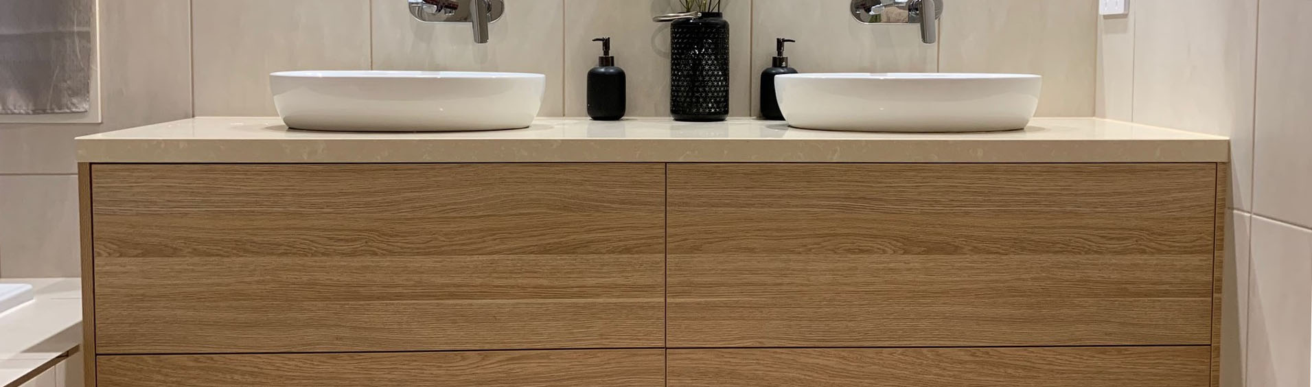 <h1>Bathrooms</h1><p><a href='project-management/'>Learn More</a>Specialise in new bathroom & ensuite as well as renovations.</p>