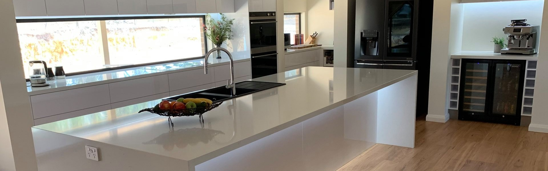 <h1>Kitchens</h1><p><a href='project-management/'>Learn More</a>Transform your kitchen into the most beautiful room in your house.</p>